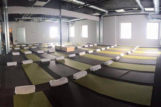 Clase-Bikram-Yoga-Alicante